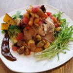 Saluteロウカット玄米の麹鶏に15種の彩り野菜畑
